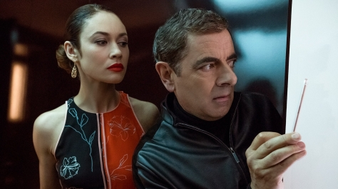 1536278161_focus-features_johnny-english-3_unit_peek